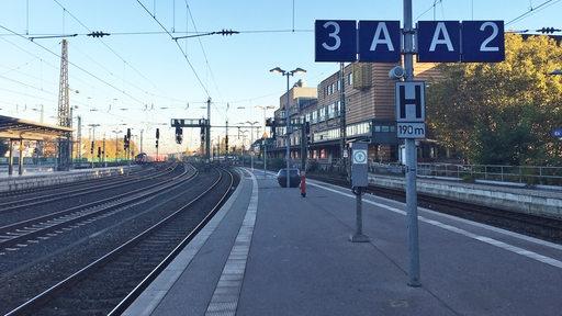 Bahnsteig Zwei und Drei am Bremer Hauptbahnhof.