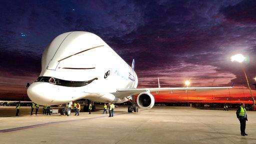 Beluga-Transportflugzeug in Bremen