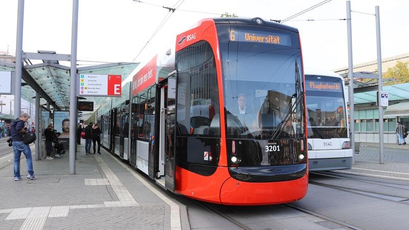 Bremer können nun mit der neuen BSAG-Straßenbahn fahren