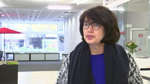 Gesundheitssenatorin Claudia Bernhard im Interview.