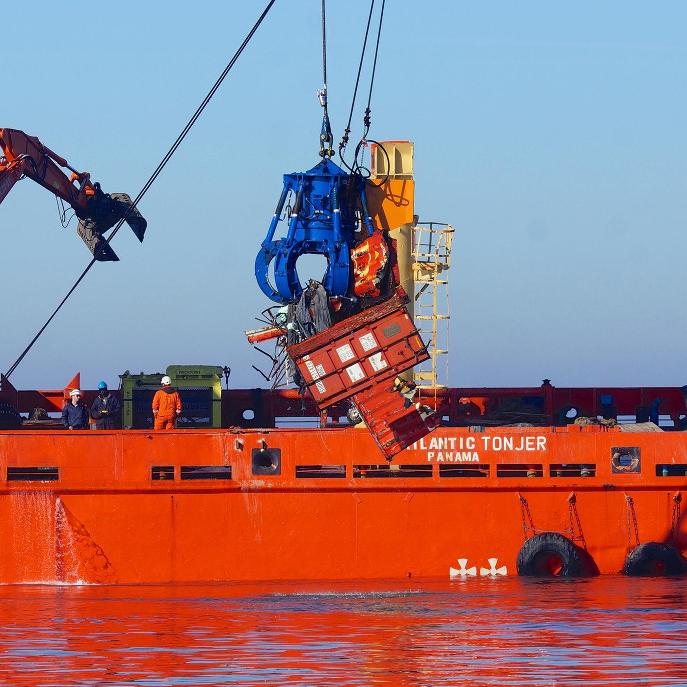 Schiff verliert container