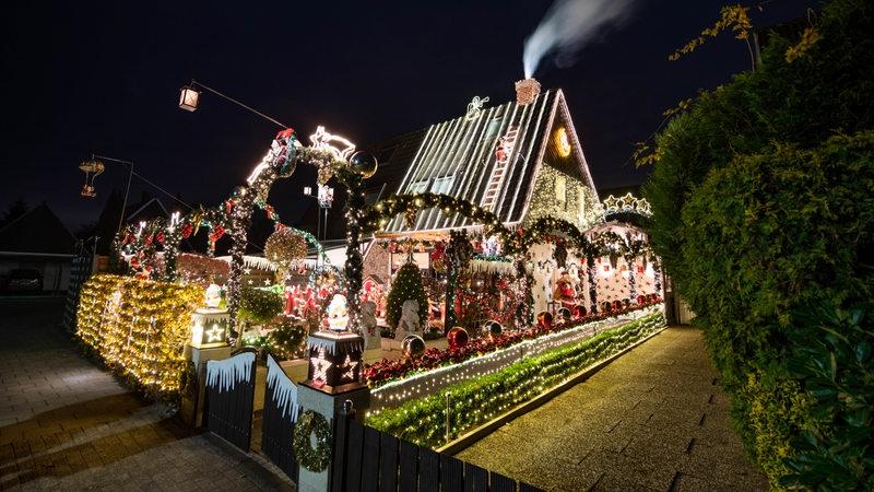 Wann Weihnachtsbeleuchtung.So Viel Kostet Der Strom Für Weihnachtsbeleuchtung Buten Un Binnen