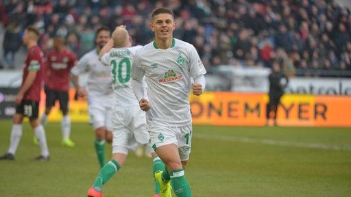 Milot Rashica bejubelt sein Tor gegen Hannover 96.