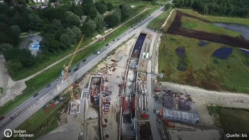 Luftbild über der Baustelle des Hafentunnels