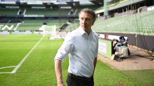 Frank Baumann steht im Weser-Stadion.