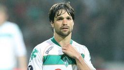 Diego im Werder-Trikot schaut enttäuscht.