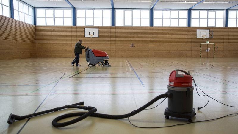 Tag der putzfrau in bremen arbeiten besonders viele for Boden poliermaschine