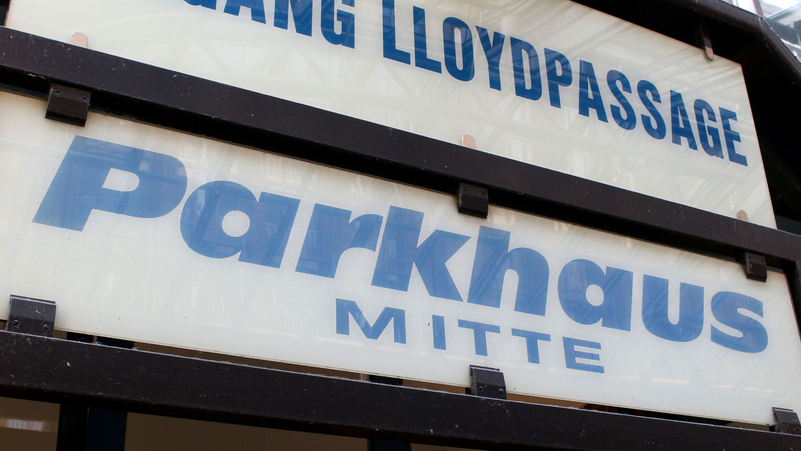 new styles thoughts on outlet on sale Parkhaus Mitte - buten un binnen