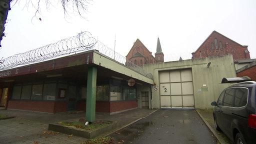 Die Justizvollzugsanstalt Bremen von außen.