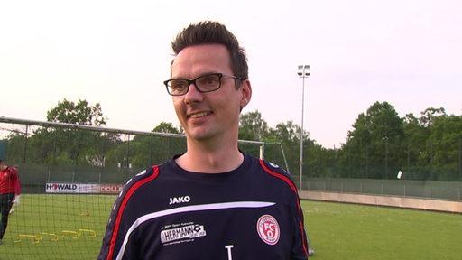 FC Oberneuland Trainer Kristian Arambasic auf dem Trainingsplatz