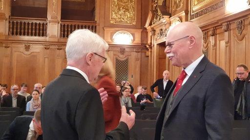 Bremens Innensenator Ulrich Mäurer bei den Verhandlungen zwischen dem Land Bremen und der DFL vor dem Bundesverwaltungsgericht
