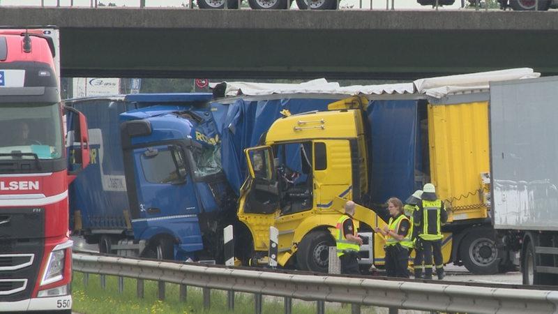 Schwerer Unfall auf der A1 bei Bremen-Arsten - buten un binnen