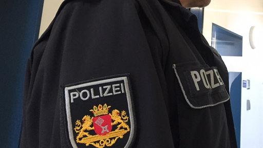 Ein Polizist der Polizei Bremen