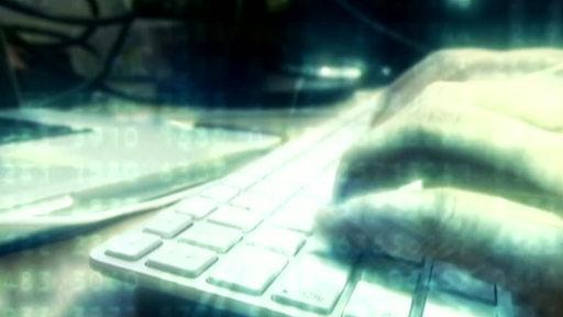 Hand auf Computer Tastatur