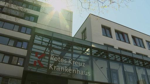 Das Rotes Kreuz Krankenhaus von außen.