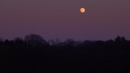 Der Mond über Harpstedt bei Bremen.