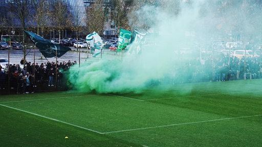 Werder-Fans beim Training