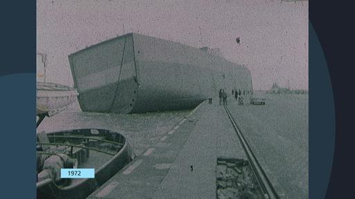 Ein Schiff wurde 1972 nach aufgrund des Sturms an Land gespült.